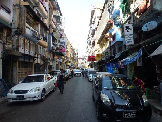 Une rue de Rangoon