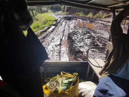 Mon véhicule enlisé au retour de Okapa