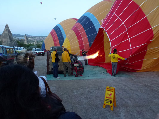 Préparatıon de la mongolfiere