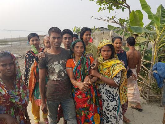 Un groupe rencontré sur mon chemin. Les femmes hindoues sont plus libérées que les musulmanes