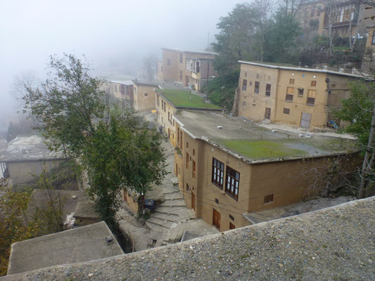 Village en espalier. Le toit sert de terrasse pour le niveau supérieur