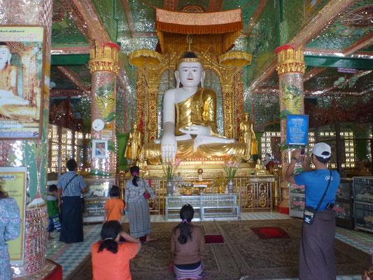 Dans la temple