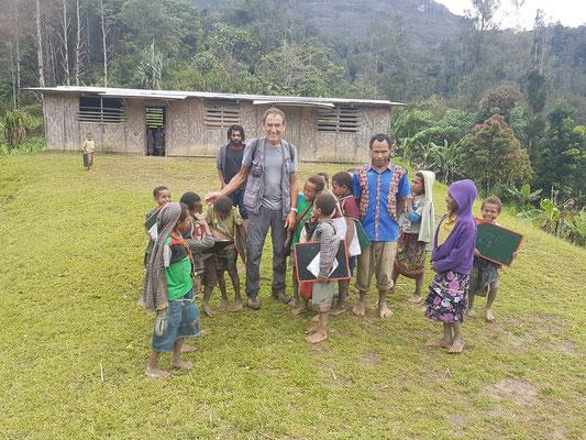 Dans une école isolée d'un petit village