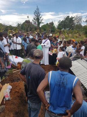 Une sépulture à Goroka