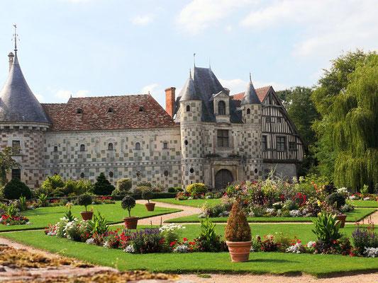 Le château de St Germain de Livet 3 km