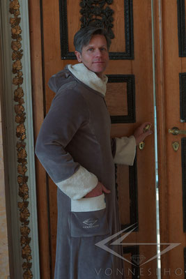 extra langer Bademantel mit Kapuze schöne warm Saunamantel Wellness & Spa