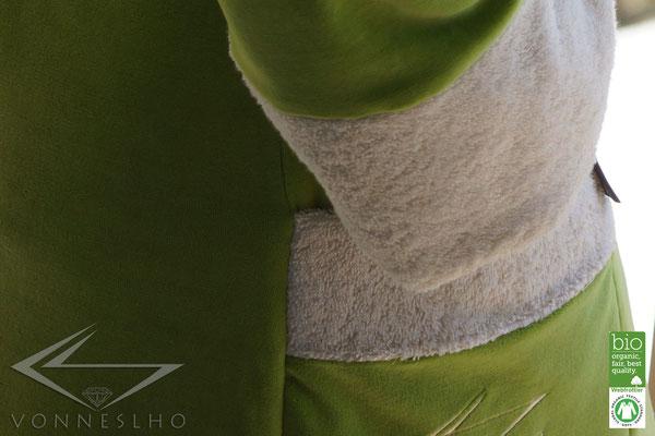 Bademantel, schöner Wellness Haute Couture Bademantel mit Kapuze, Luxusbademantel, Bathrobe, Badekape, Morgonrock, langer Wellnessmantel, Spa Saunamantel
