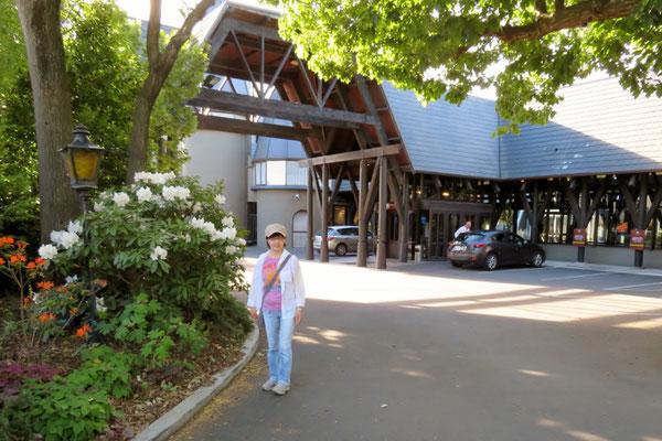 (26) クライストチャーチのホテル。