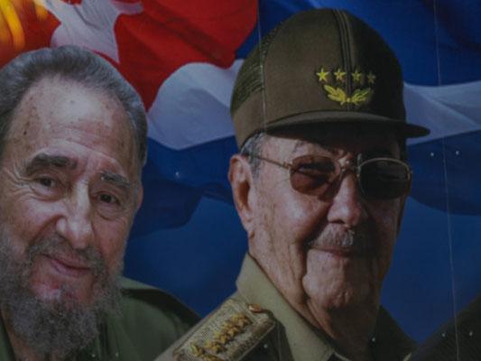 Auch in Zapata grüßten die Castro-Brüder von vielen Plakaten am Straßenrand.