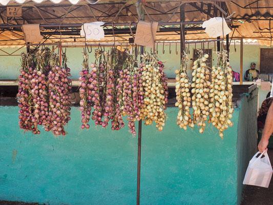 Obst- und Gemüsemarkt in Camagüey, Kuba.