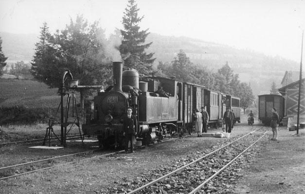 Tarn-090 : Lacaune-les-Bains. 27 juin 1953. Locomotive 130T n°11. Cliché Jacques Bazin