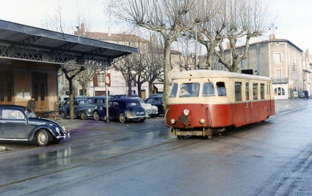 Tarn-047 : Castres-Albinque. 29 décembre 1962. Autorail Billard A80D. Cliché Jacques Bazin