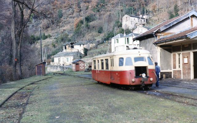 Tarn-071 : Vabre. 29 décembre 1962. Autorail Billard A80D. Cliché Jacques Bazin