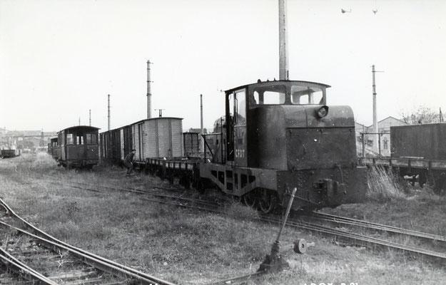 Tarn-014 : Castres-Dépôt. 29 décembre 1962. Locotracteur LT2. Cliché jacques Bazin