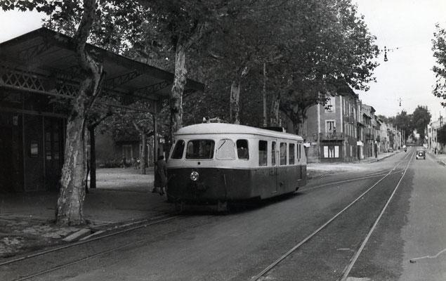 Tarn-044 : Castres-Albinque. 2 septembre 1956. autorail Billard A80D. Cliché Jacques Bazin