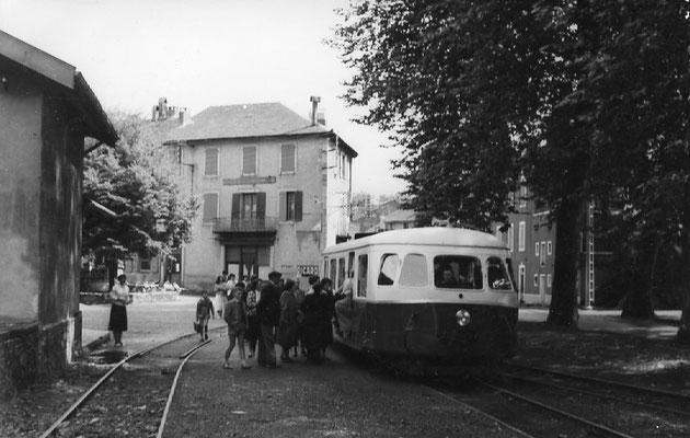 Tarn-084 : Pierre-Ségade. 2 septembre 1956. Autorail Billard A80D. Cliché Jacques Bazin