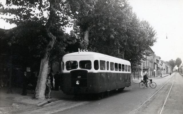 Tarn-040 : Castres-Ville. 28 juin 1953. Autorail Verney SCF. Cliché Jacques Bazin