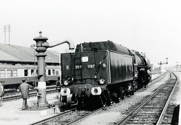Paray-le-Monial-003. Locomotive 141 R 1187. Date et auteur du cliché inconnus