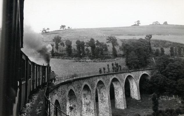 Tarn-075 : Viaduc près de Lacaze. 27 juin 1953. Locomotive 130T. Cliché Jacques Bazin