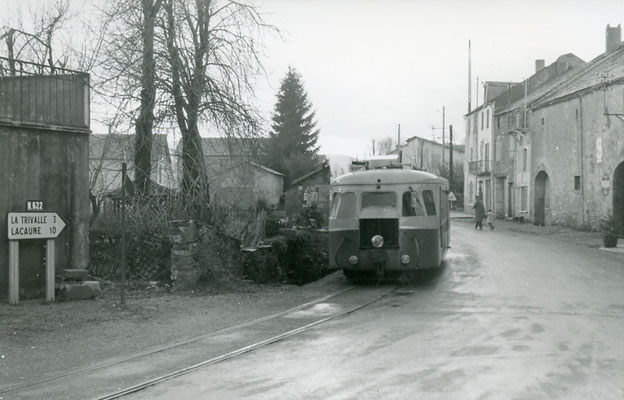 Tarn-112 : Moulin-Mage. 30 décembre 1962. Autorail Billard A80D. Cliché Jacques Bazin