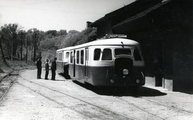 Tarn-054 : Roquecourbe. 2 mai 1958. Autorail Billard A80D. 2 mai 1958