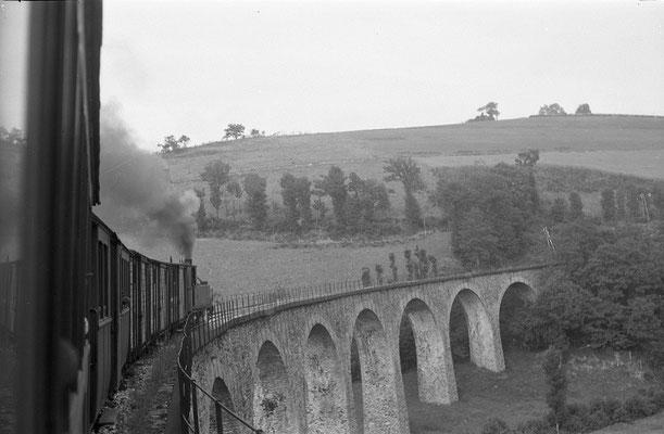 Tarn-076 : Viaduc près de Lacaze. 27 juin 1953. Locomotive 130T. Cliché Jacques Bazin