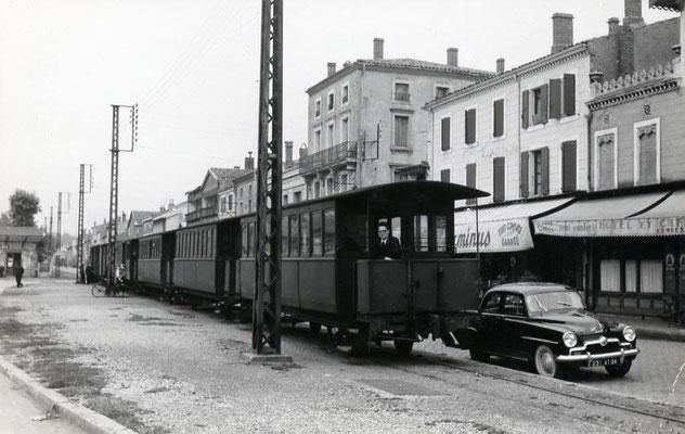 Tarn-030 : Castres-Gare. 27 juin 1953. Cliché Jacques Bazin