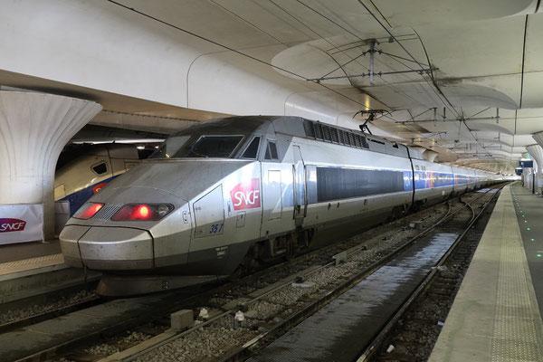 Paris-Austerlitz-1er août 2017. Rame TGV-Atlantique 357 détournée suite à un incident de signalisation à Paris-Montparnasse. Cliché Pierre Bazin