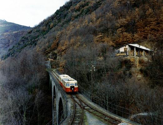 Tarn-060 : Le Bouissas. 29 décembre 1962. Autorails Billard A80D. Viaduc sur l'Agout. Cliché Jacques Bazin