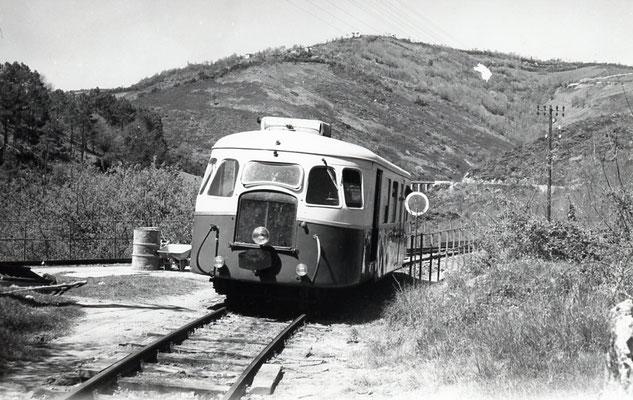 Tarn-058 : Le Bouissas. 2 mai 1958. autorail Billard A80D. Cliché Jacques Bazin