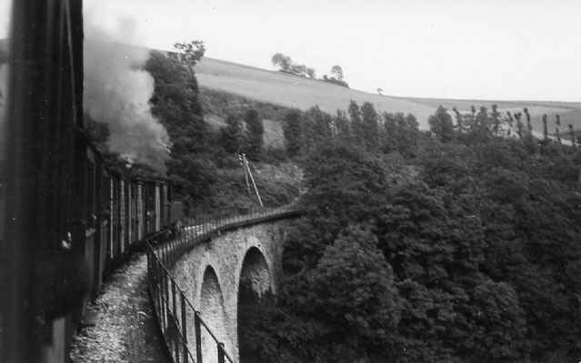 Tarn-077 : Viaduc près de Lacaze. 27 juin 1953. Locomotive 130T. Cliché Jacques Bazin