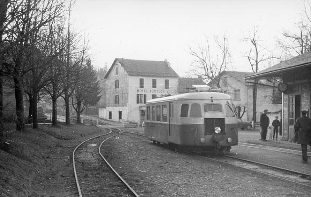 Tarn-098 : Lacaune-les-Bains. 30 décembre 1962. Autorail Billard A80D. Cliché jacques Bazin