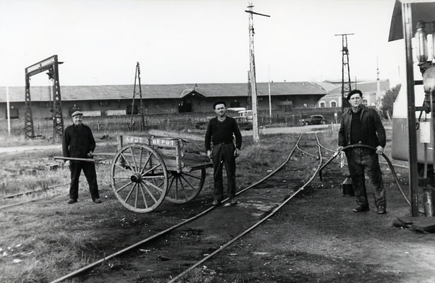 Tarn-022 : Castres-Dépôt. Décembre 1962. Cliché Rose Salvaire
