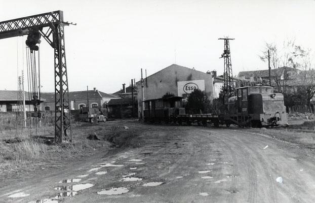 Tarn-017 : Castres-Dépôt. 29 décembre 1962. Locotracteur LT2. Cliché Jacques Bazin