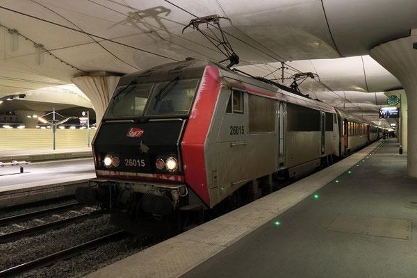 Paris-Austerlitz-23 janvier 2019. Locomotive BB 26015 et train de nuit à destination de Toulouse et Latour-de-Carol. Cliché Pierre Bazin