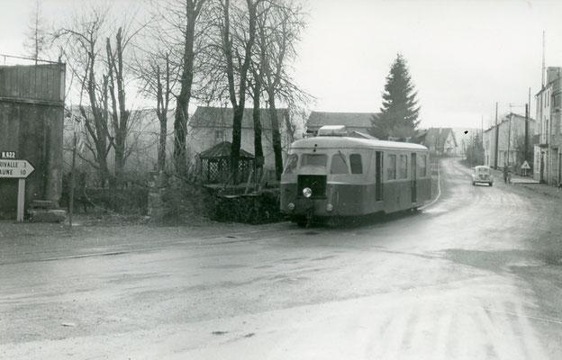 Tarn-111 : Moulin-Mage. 30 décembre 1962. Autorail Billard A80D. Cliché Jacques Bazin