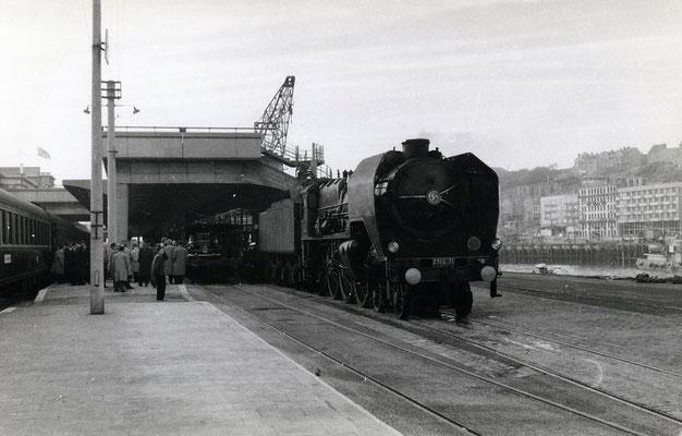 Boulogne-Maritime-018 : Locomotive Pacific 231 C 71. Cliché jacques Bazin. 4 juin 1957