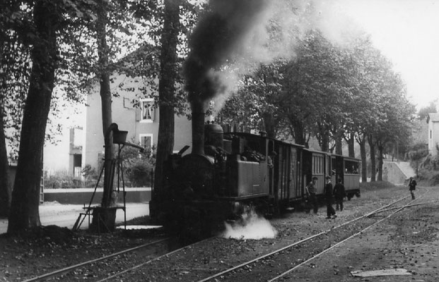 Tarn-081 : Pierre-Ségade. 27 juin 1953. Locomotive 130T n°11. Cliché Jacques Bazin