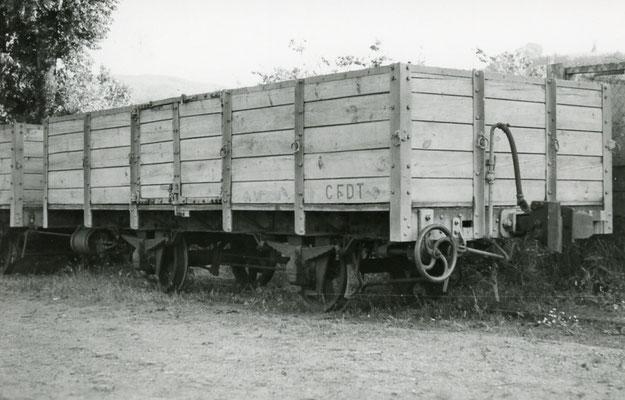 Tarn-134 : Brassac. 7 juillet 1962. Tombereau n° U 103. Cliché Jean-Louis Rochaix