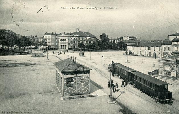 Tarn-136 : Albi - La Place du manège et le Théâtre. Locomotive 130T