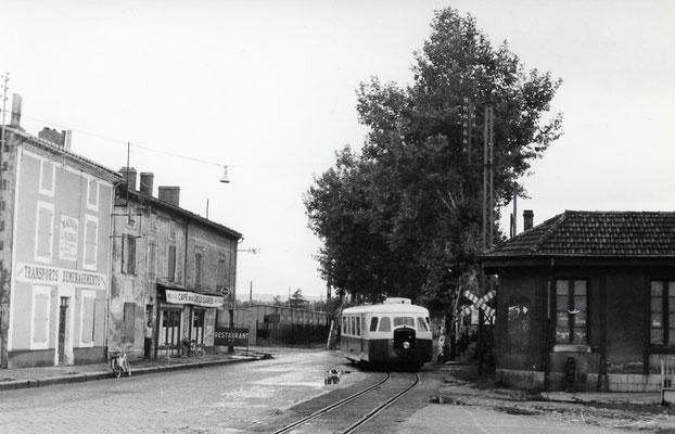 Tarn-033 : Castres-Gare. 2 septembre 1956. Autorail Billard A80D. Cliché Jacques Bazin