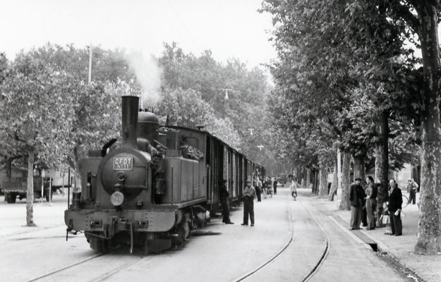 Tarn-042 : Castres-Albinque. 27 juin 1953. Locomotive 130T n°11. Cliché Jacques Bazin