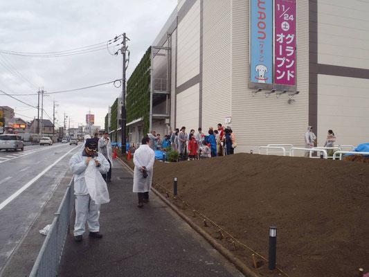 商業施設での植樹イベント