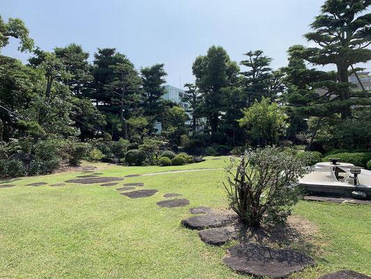 教育施設の庭