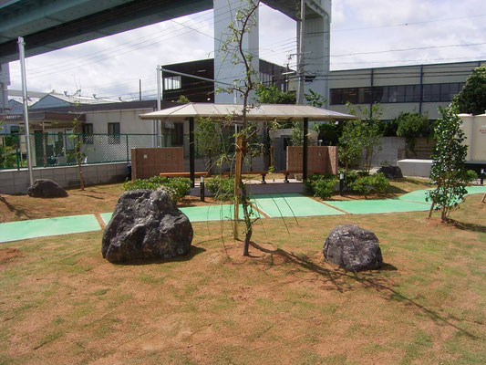工場の緑地