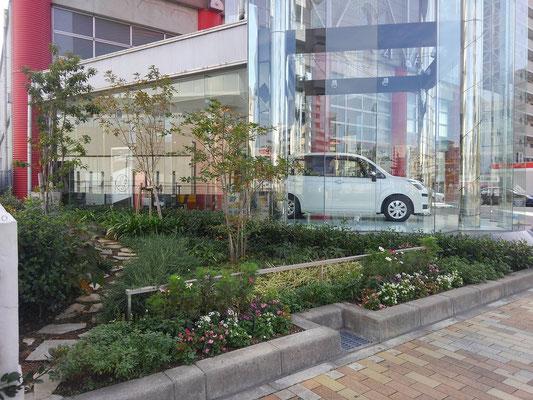 大型商業施設の緑地