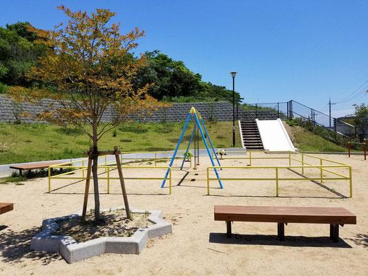 小束台東公園の遊具