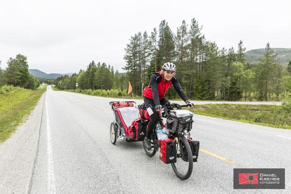 Fahrradfahrt mit dem Fahrradanhänger