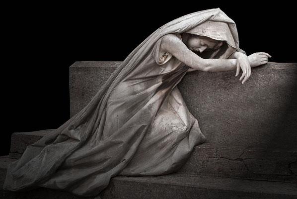 """Die trauernde Frau"" - Vollbild / verkauft"