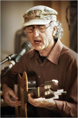 Multi-Instrumentalist ANDRÉS CONDON